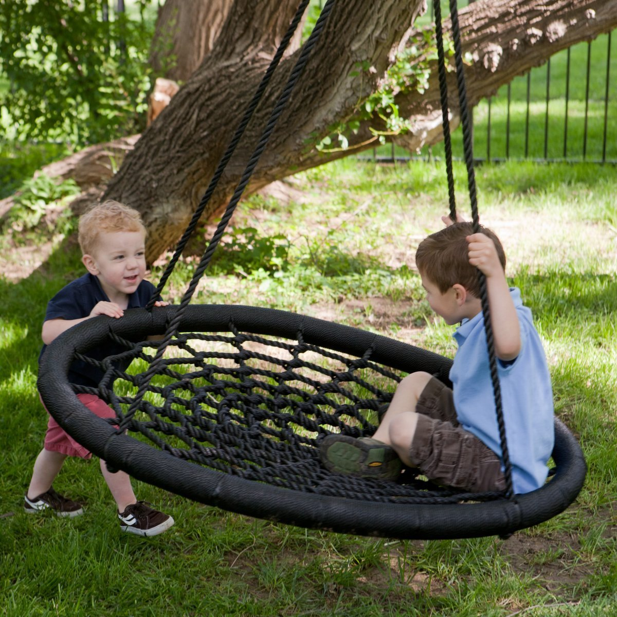 swing and spin tree porch swing oh my that 39 s awesome